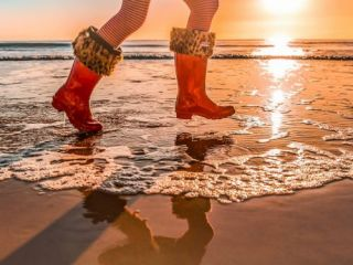 Og media Solutions commercial photography, Hunter Boots Spring time beach paddling